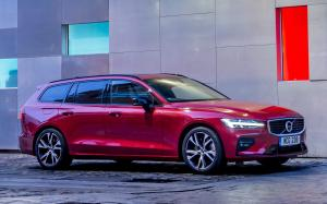 2018 Volvo V60 T5 R-Design (UK)